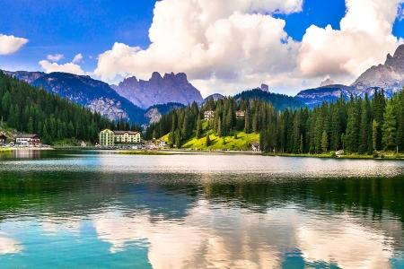 義大利多洛米堤-Lago-di-Misurina-Dolomiti-shutterstock_1514092784-M